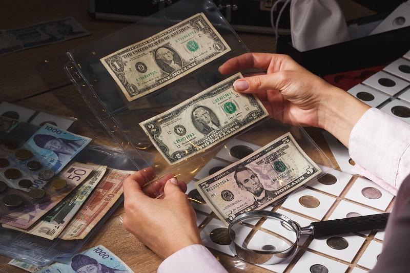 Jak przechowywać banknoty kolekcjonerskie